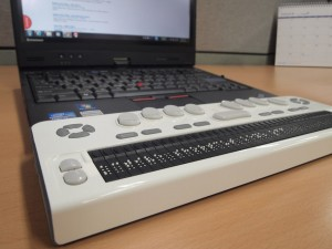 Braille Edge 40 with Laptop