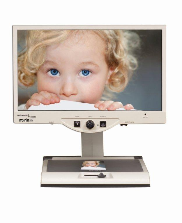 Merlin 24 HD video magnifier littlegirl